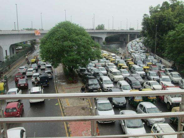 driving in new delhi